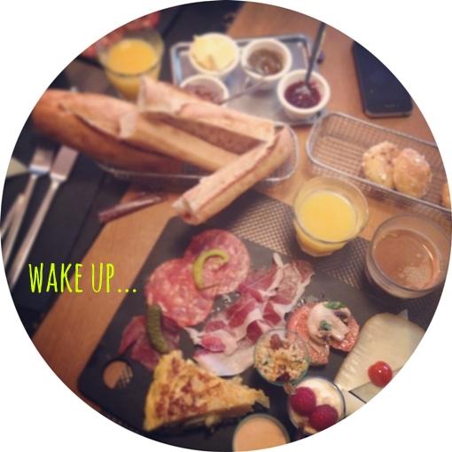 wake up... cafe tolo