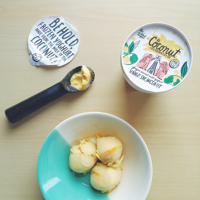 Snowconut Sundays with @coconutcollab ?#dairyfree #mango #coconut #froyo