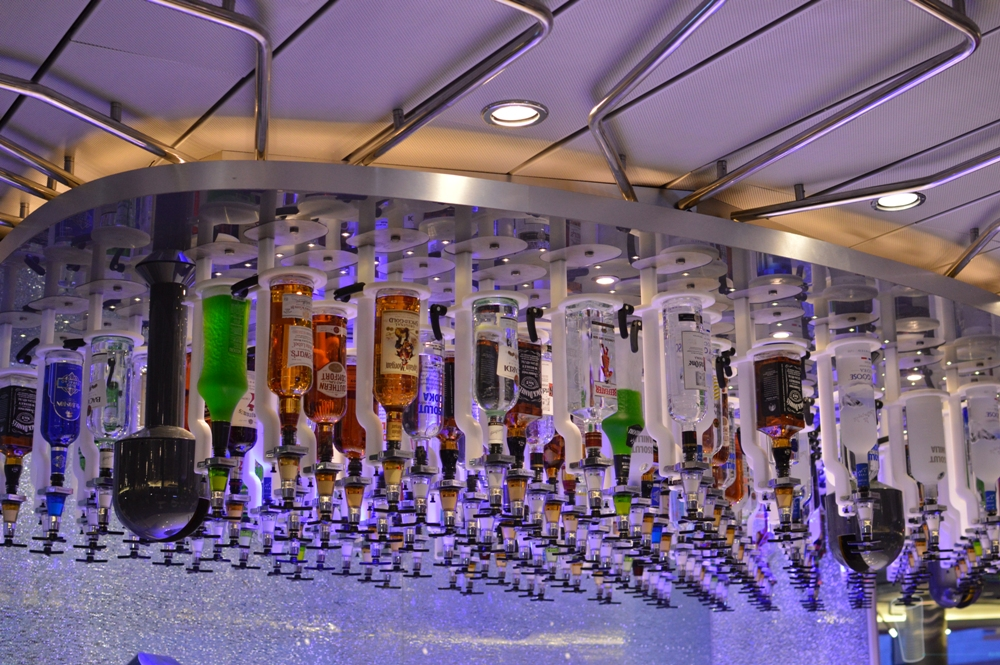Royal Caribbean Quantum of the Seas Pre-Inaugural Voyage Bionic Bar Robot Bartender 004