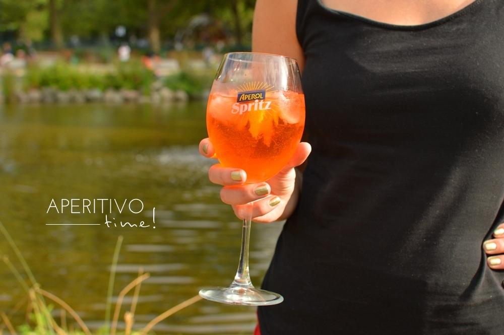 Aperol Spritz Italian Aperitivo 09
