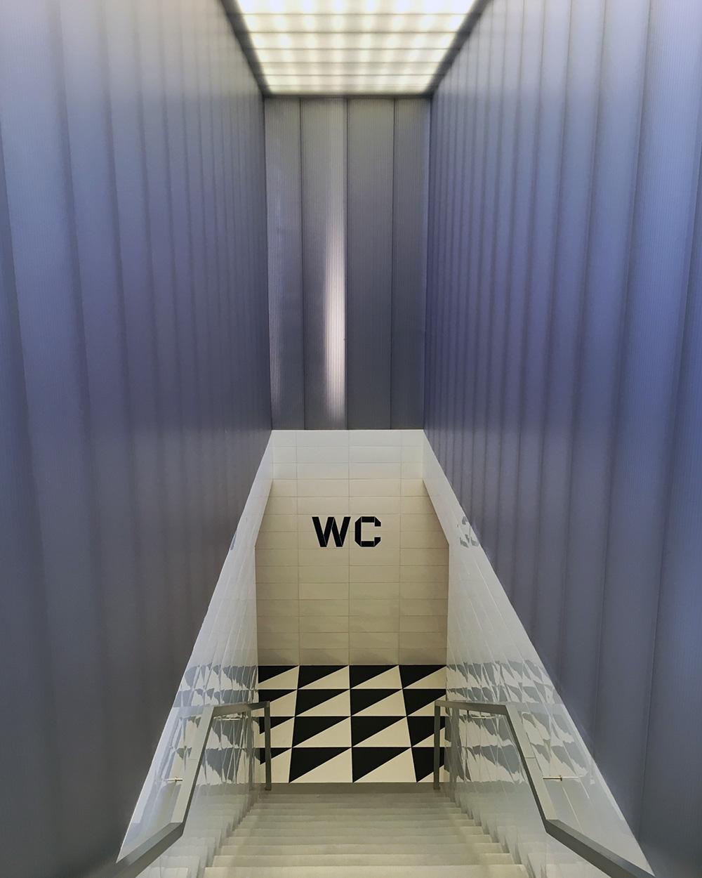 Wes-Anderson-Bar-Luce-Fondazione-Prada-Milano-08