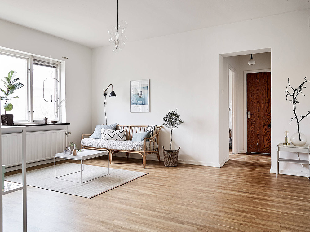 Interior inspiration light airy gothenburg flat via for Minimalist home tour