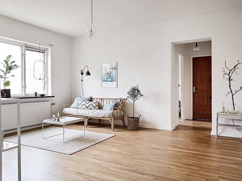 Interior inspiration light airy gothenburg flat via for Minimalist house tour