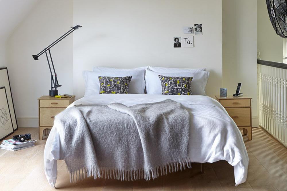 Warren Evans Island bed